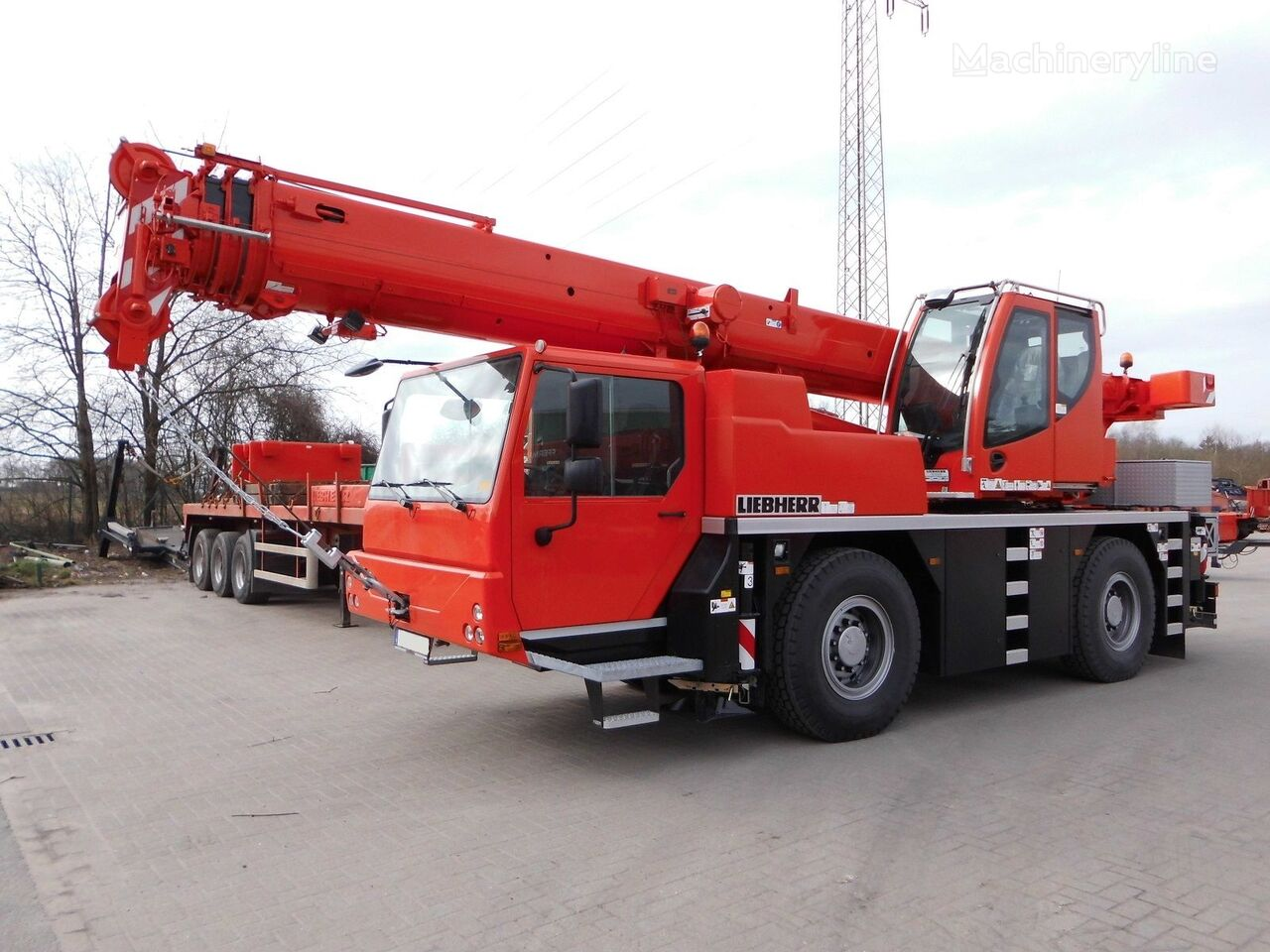 LTM 1030-2.1 on chassis LIEBHERR LTM 1030-2.1 mobile crane