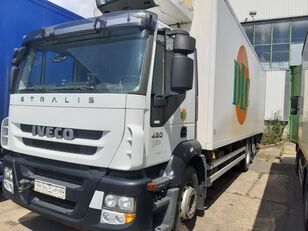IVECO AD260S420P lenkachse dabl refrigerated truck